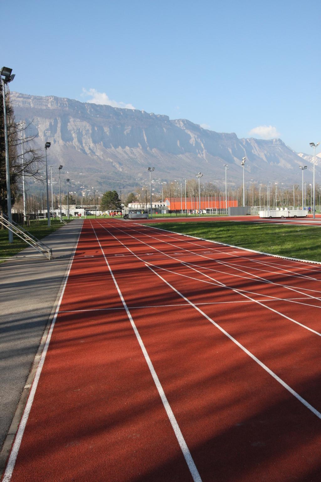 Piste d'athlétisme du campus universitaire de Grenoble